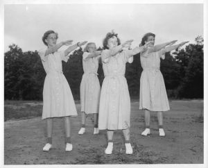 Women exercise-in-the-1950s-493921-m